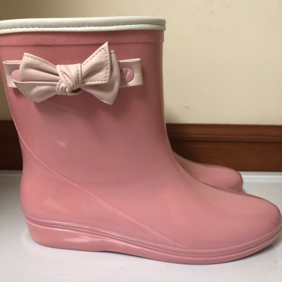 Other - Pink Ankle Rainboots with Bow